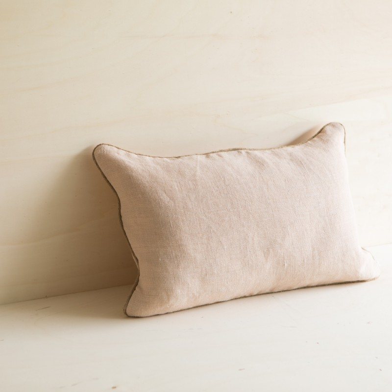 COUSSIN PAZ NUDE