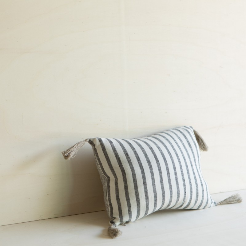 BAHIA CUSHION BLACK/ MILK