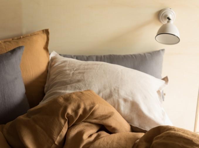 Linge de lit en coton et lin lavé: housse de couette, taie d'oreiller et drap housse